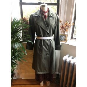 ✨ Vintage - London Towne-Army Green Trench ✨